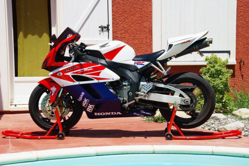 2004-2005 cbr1000 red blue white
