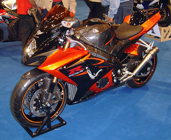 Suzuki_GSX-R_1000_K7-1 orange carbon fiber